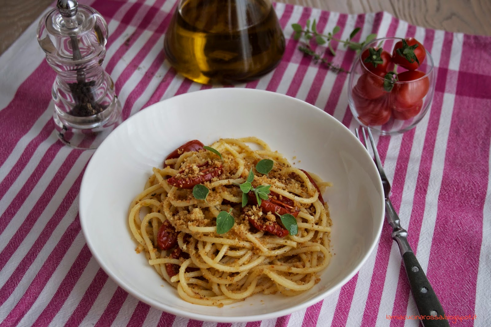 Cosa si mangia a Parigi? Spaghetti ai pomodorini confit!