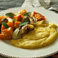 Verdure arrosto con polenta e gorgonzola