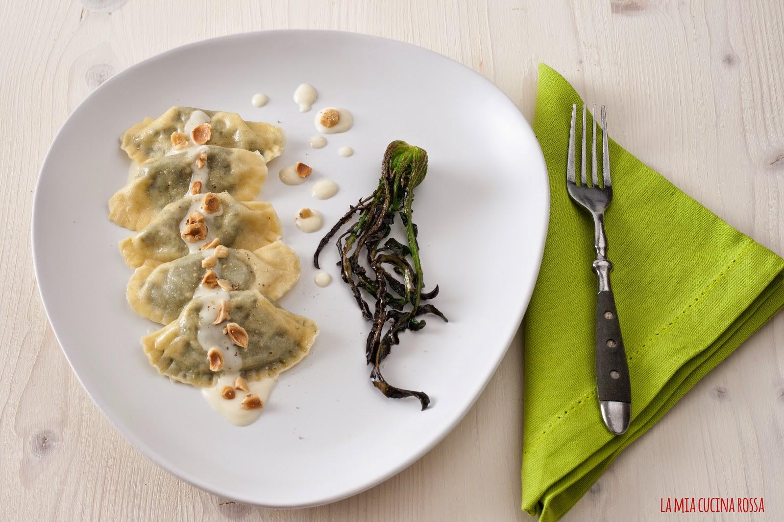Mezzelune con broccolo fiolaro e fondutina di Grana Padano