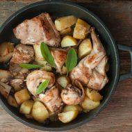 Coniglio al forno con patate ed olive taggiasche